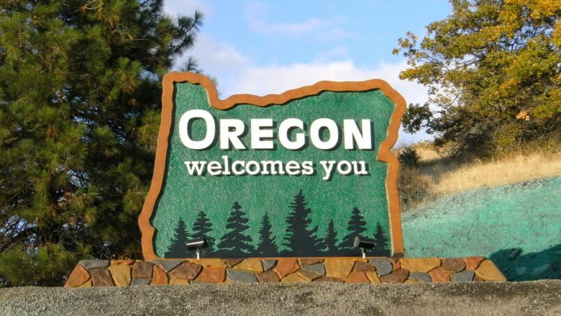 Small Art Towns In Oregon: The 4 Best To Visit